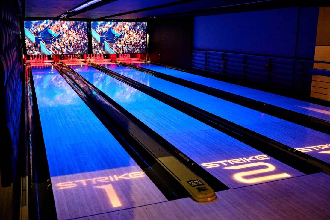 15101-0372-Image-Workshop-melbourne-photography-tourism-travel-strike-bowling-nightlife