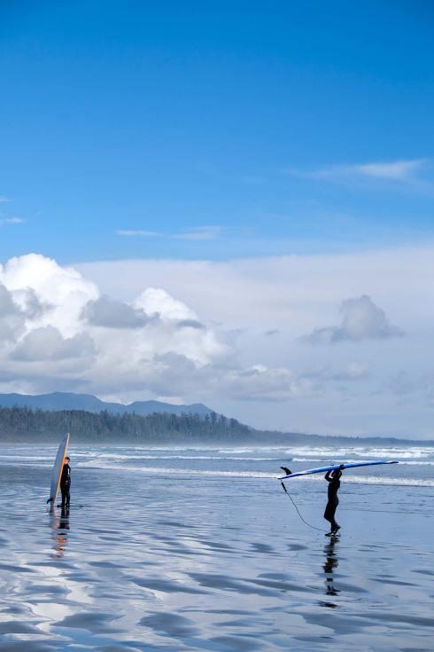 PWS015-0291-Sharon-Blance-photographer-Tofino-travel-editorial-surfers-beach