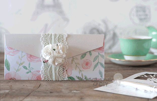 pretty floral wedding invitation pocket to make yourself. Make your own floral wedding stationery