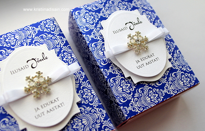 royal blue and white wedding favours made by Kristiina Disain. Winner of Imagine DIY Competition October 2015