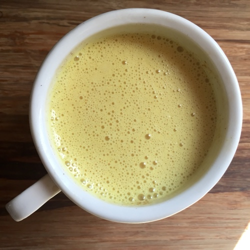 How to Make Golden Milk (Turmeric Tea)