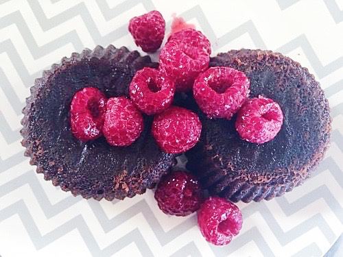 Individual Chocolate Molten Lava Cakes with Sugar Coated ...