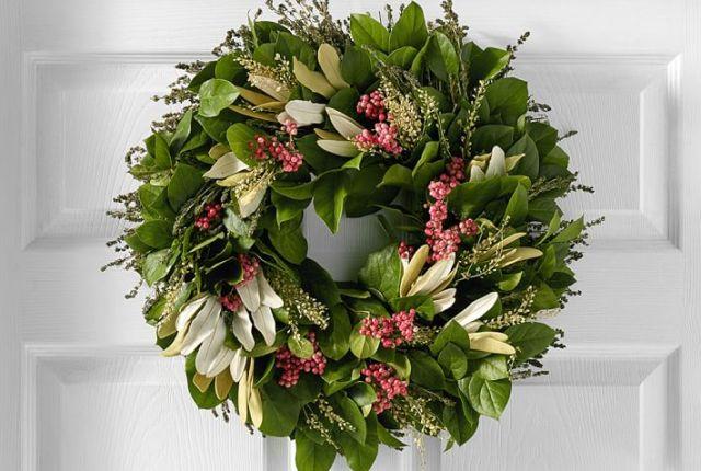 10 Beautiful Spring Wreaths for Your Front Door