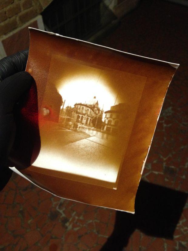 Cópia em colódio cloreto em papel Arches Platine a partir de um negativo em filme gráfico.