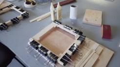 Montagem do chassi. Colagem e secagem a cada camada montada.