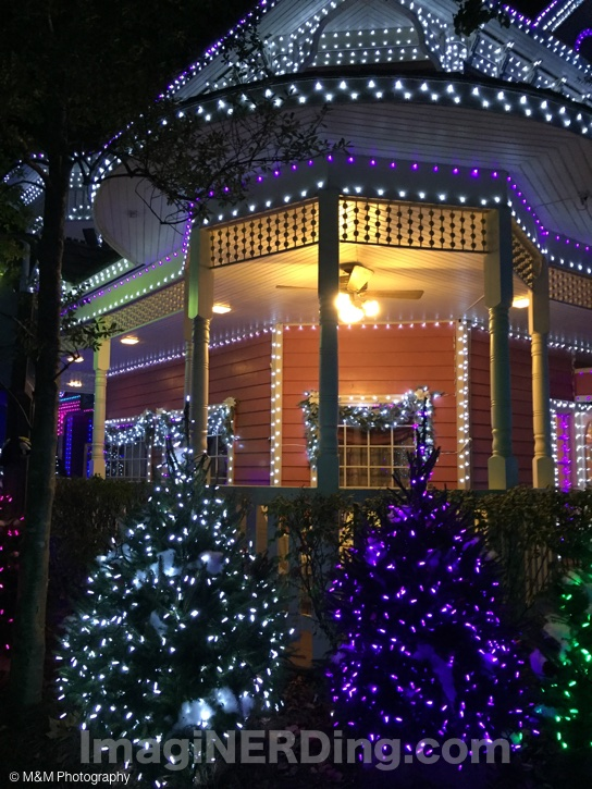 Dollywood Christmas Lights - ImagiNERDing