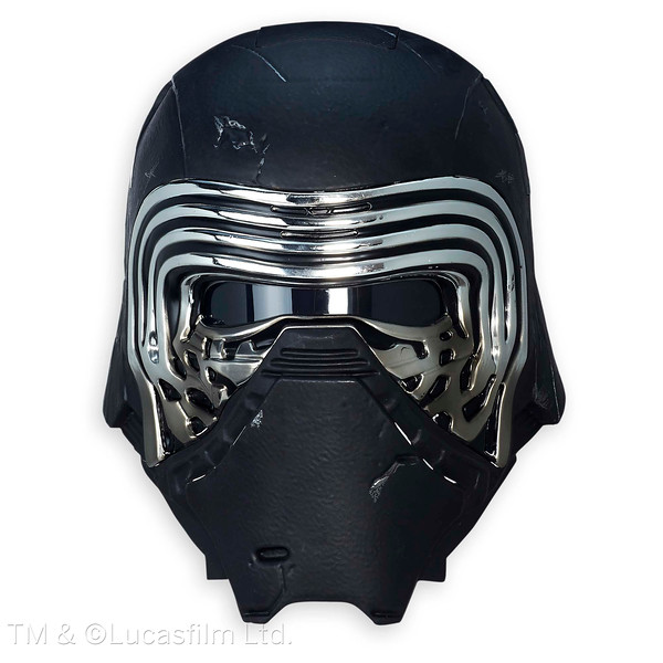 Recreate exciting scenes from Star Wars: The Force Awakens with this Kylo Ren Electronic Voice Changer Helmet from The Black Series. The realistic look and sound of this helmet will carry your imagination to a galaxy far, far away.