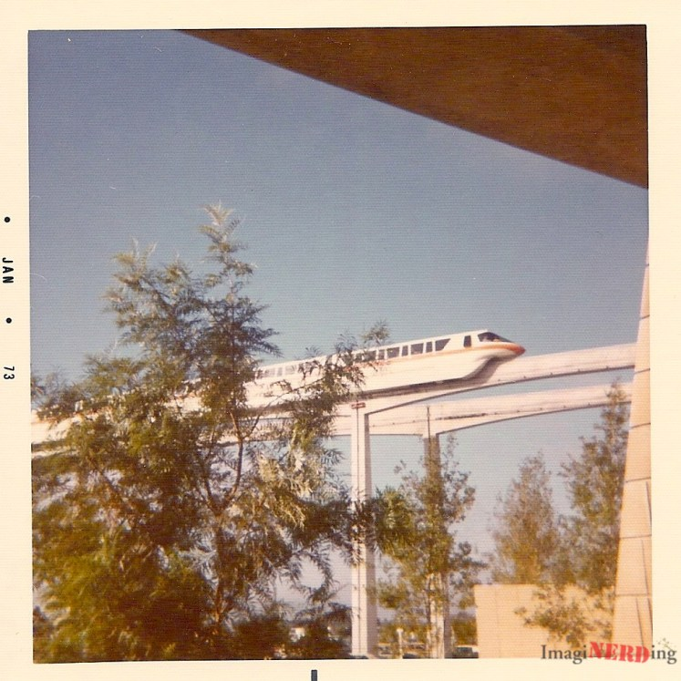 Vint-Jan-1973-disney-monorail-mark-iv