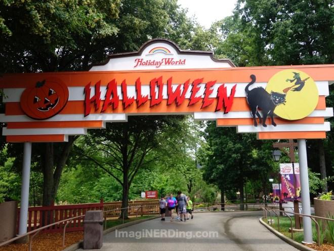 holiday-world-halloween-sign