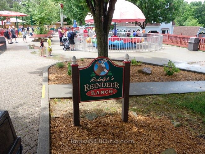 holiday-world-rudolphs-reindeer-ranch-sign