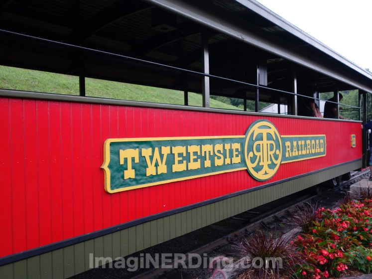 05-tweetsie-railroad-train-car-red