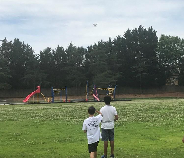 https://i1.wp.com/www.imaginethatfun.com/wp-content/uploads/Flight_Drones/Drone-3.jpg?w=750