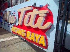 Signboard Letter Timbul Acrylic Mie Titi cabang Jl. Antang Raya Makassar Ukuran 4 x 1,2 Meter.