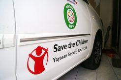 Stiker mobil Yayasan Save The Children cabang Makassar
