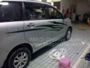 Sticker Striping Zigzag pada Toyota Avanza