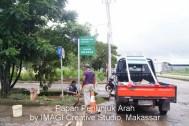 Papan Penunjuk Arah di Komplek Pergudangan Parangloe Makassar