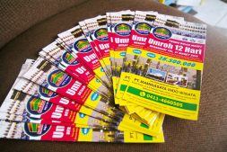 cetakan leaflet travel
