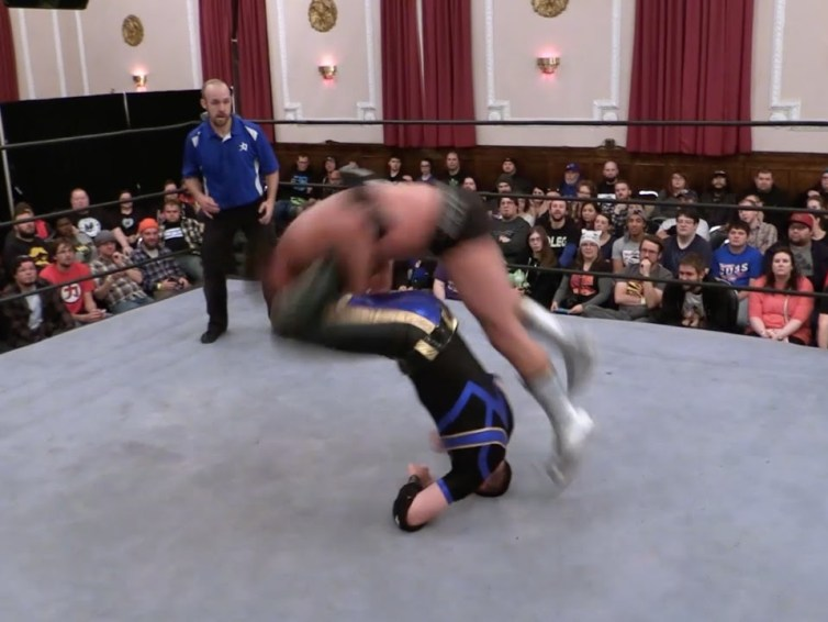 Drew Gulak wrestles Mike Quackenbush