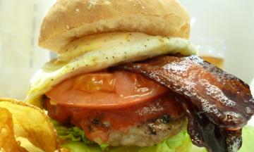 トッピング自由!十条の「Porc Stock(ポークストック)」で、希少な完全放牧肝付豚ハンバーガーを食べるのだ!