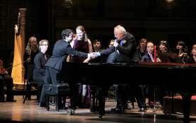 Maestro Bramwell Tovey introduces Iman Habibi and Deborah Grimmett before a performance of Saint-Saëns' Carnival of the Animals with the Vancouver Symphony Orchestra