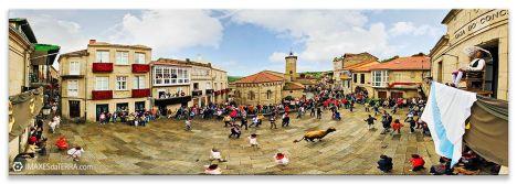 Festa  do  Boi de Allariz, Comprar fotografía  Festas de Galicia  Boi de Allariz Banda de Tambores Balcón do  Concello Verán Decoración