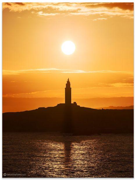 Amencer Torre de Hércules na Coruña, Comprar fotografía de Galicia Torre de Hércules Faros Galegos Amencer Decoración Natureza Paisaxe