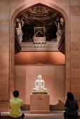 Saturday night - Statue of Jain