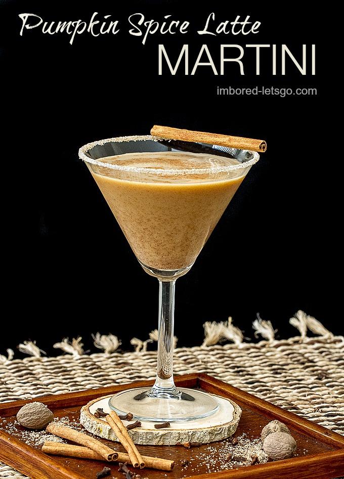 Pumpkin Spice Latte Martini is the adult version of the popular fall coffee drink! #fall #pumpkin #martini
