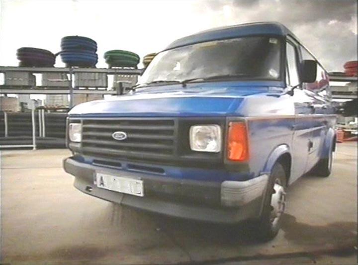 Land Rover Transit