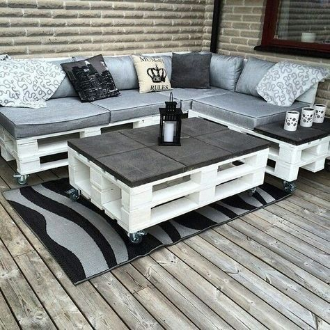 sofa en L, con palets