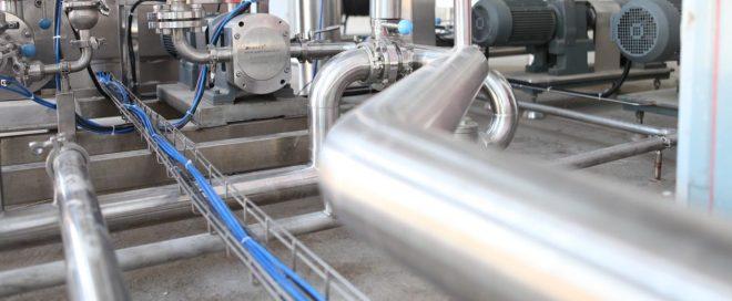 Rohr in Industriegebaeude