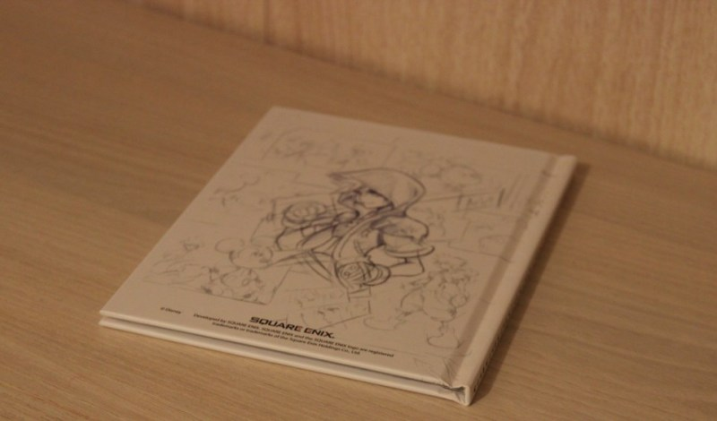 collector_kingdom-hearts-ii.5-hd-remix_artbook-derriere