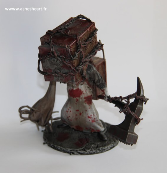 Collector - The Evil Within - The Keeper Bobblehead - image 09