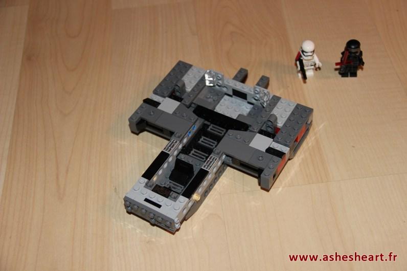 Lego - Set 75104 Kylo Ren's Command Shuttle - image 09