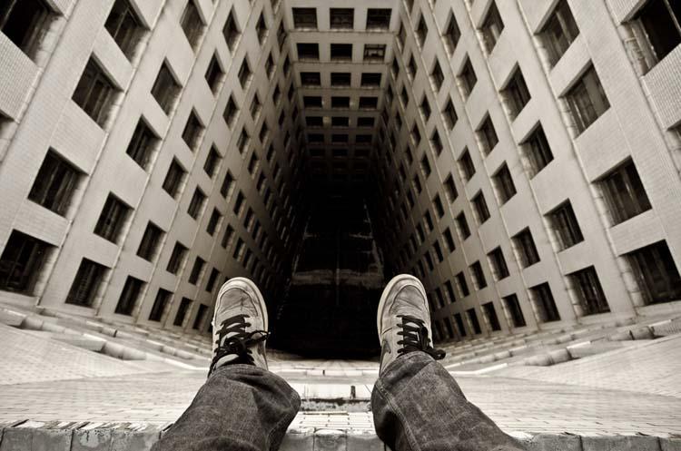 ShockBlast-Life-on-the-edge-Dennis-Maitland