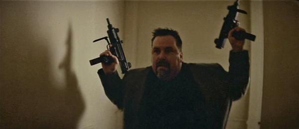 filmlerde uzi silahı