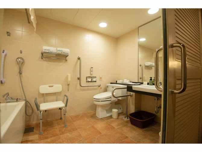 ホテルオークラ福岡のバリアフリールームのバスルーム