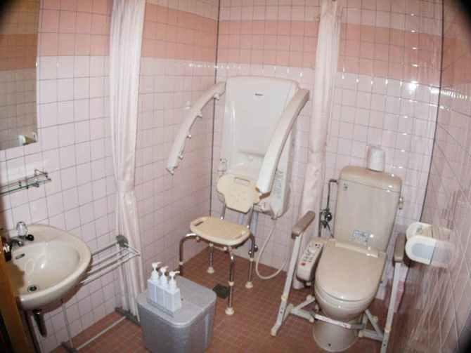 那須高原【ガストホフ エール】102号室DXツイン(バリアフリー対応)全身シャワーとトイレ