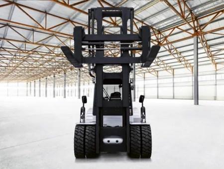 Chariot frontal électrique A160 Carer vu de face, fourches levées