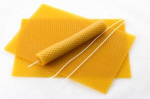 Bienenwachskerzen aus Mittelwand herstellen