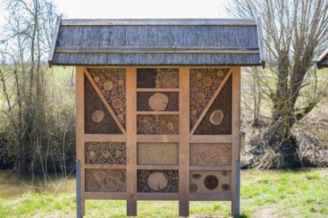 Insektenhaus,Insektenhotel, Tipps, Insektenhotel kaufen, online kaufen, gut oder schlecht