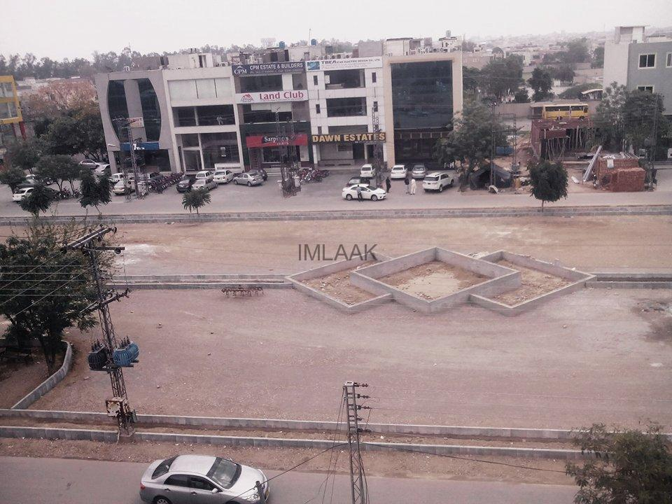 DHA Phase 4 FF Commercial Parking