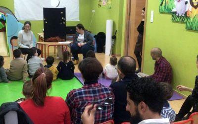La psicóloga infantil Ana Piñar imparte una charla para padres y niños de IML La Zubia sobre la importancia de la constancia