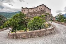 immagini-del-lario-castello-di-bard-aosta (1)