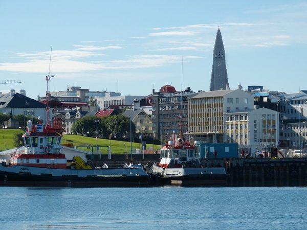 السياحة في ايسلندا موطن البراكين والسخانات والشلالات والأنهار