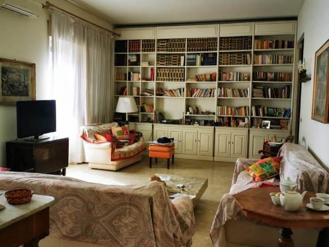Spettacolare appartamento su via D'Annunzio a Catania di 6 vani e circa 190 mq calpestabili oltre grandi balconi