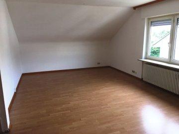 ++VERKAUFT++  Gemütliche 4-Zi.-Dachgeschoss-Wohnung in LÖ-Hauingen -SOFORT FREI-, 79541 Lörrach (Hauingen), Dachgeschosswohnung