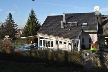 ++VERKAUFT++ Besonders und im Grünen wohnen. Fulminante DHH mit ELW, 79589 Binzen, Doppelhaushälfte