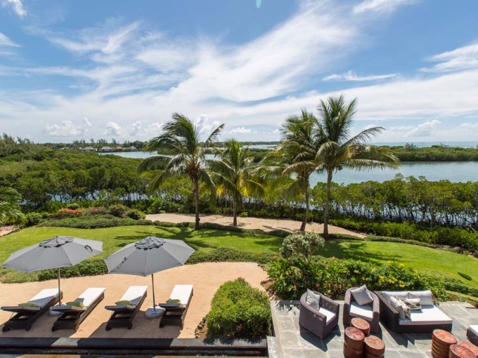 FOUR SEASONS PRIVATE RESIDENCES & LUXURY VILLAS VILLAS DE LUXE EN VENTE