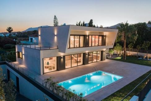 Villa sur un terrain de 841 m2 vous pourrez profiter de la Costa del Sol 1